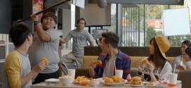 งาน Extra โฆษณาไก่ทอด ออนแอร์ประเทศจีน (ฉากกินไก่เท่านั้น)